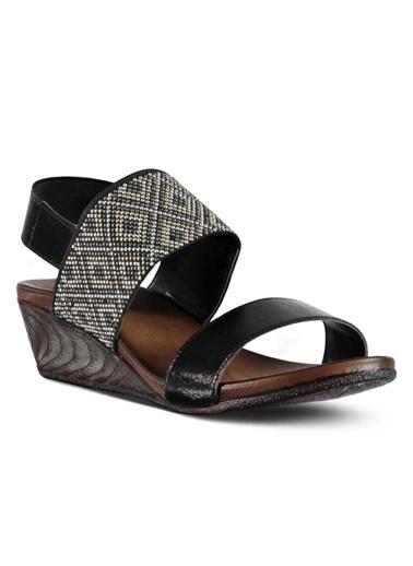 Marjin Dolgu Topuk Sandalet Siyah